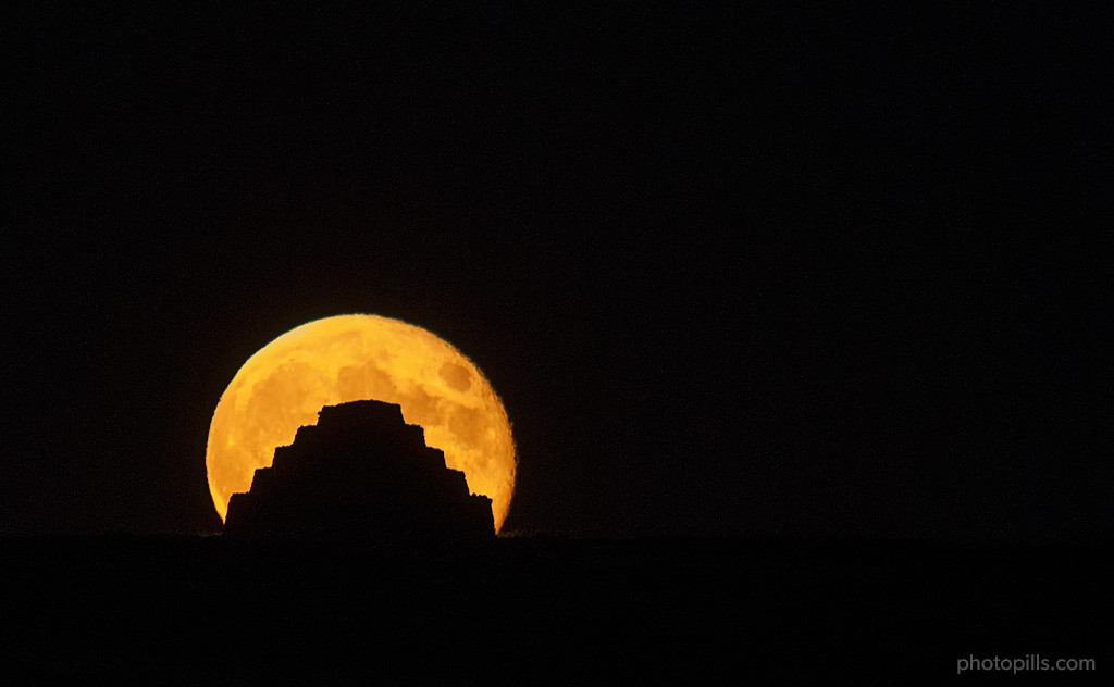 7 Tips to Make the Next Supermoon Shine in Your Photos